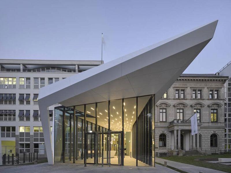 Akzente aus Stahl | Buthmann Ingenieur-Stahlbau AG aus Glinde bei Hamburg