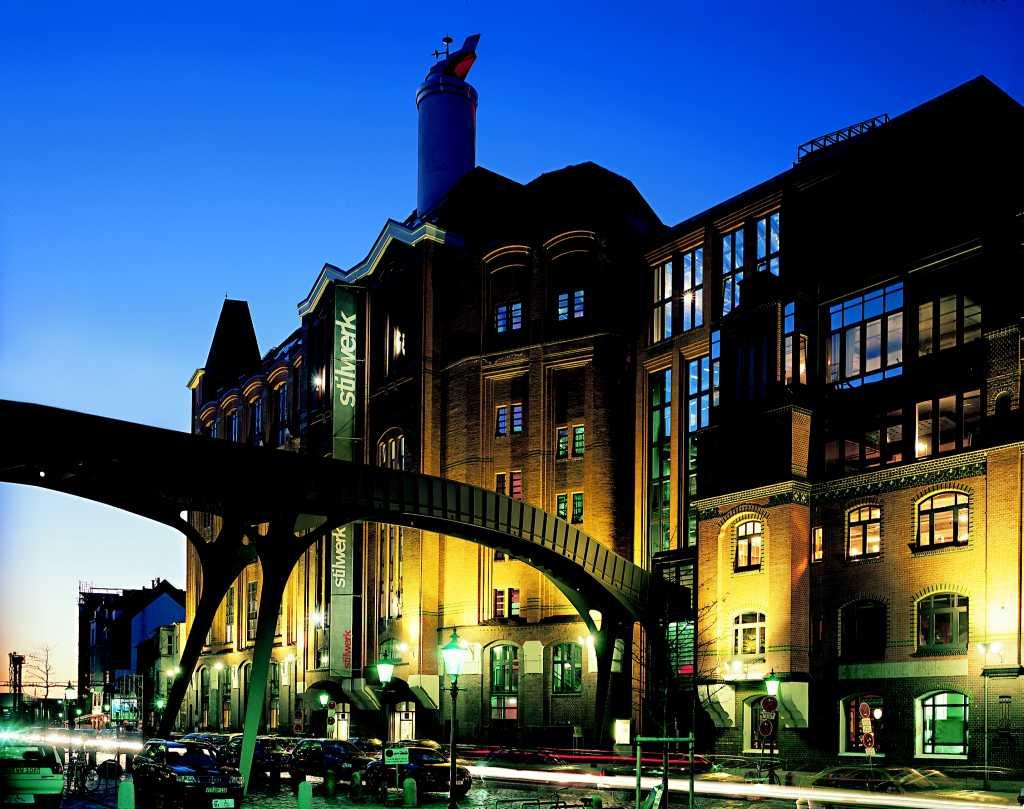 2002 - Brückenverbindung Stilwerk HH - Stadtlagerhaus