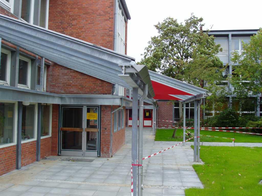 Eingangsobjekt und Vordachanlage