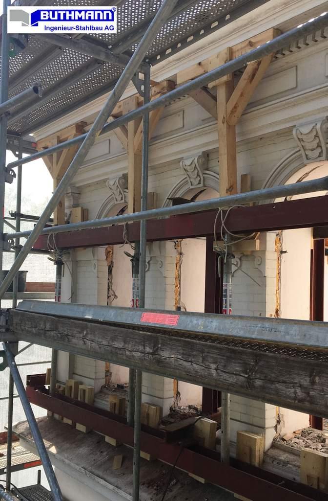 18-09-26 - Ansichtsausschnitt der denkmalgeschützten und von uns gesicherten Fassade in Hamburg - Bild 3
