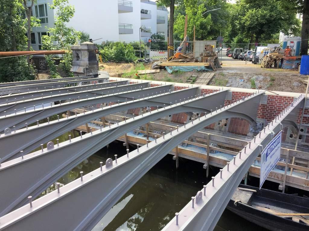 Grillparzer Brücke, Hamburg 01