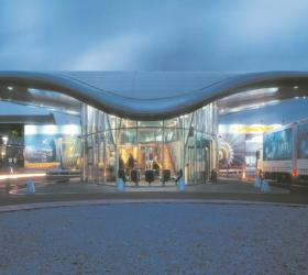 Oktober 2002Hamburger Architekten bauen mit Stahl Empfangsgebäude Lufthansa Technik AG HamburgDokumentation