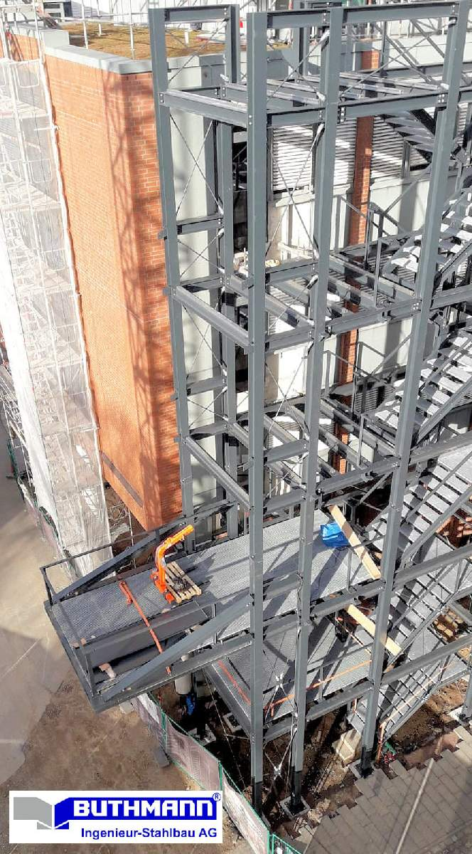 Bauvorhaben 2 große Fluchttreppentürme 05