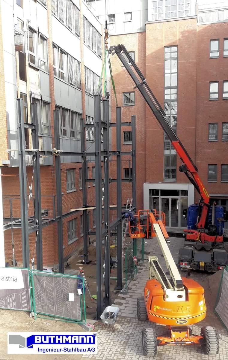 Bauvorhaben 2 große Fluchttreppentürme 11
