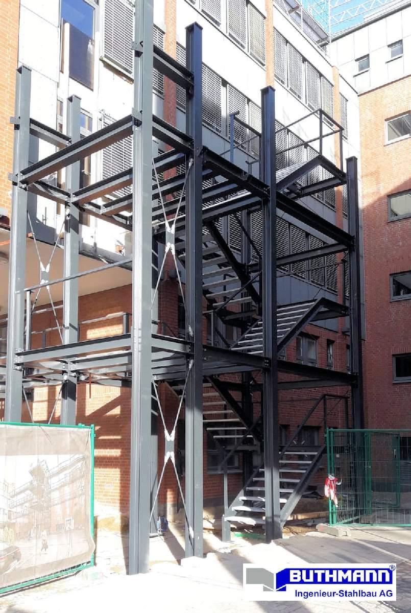 Bauvorhaben 2 große Fluchttreppentürme 12