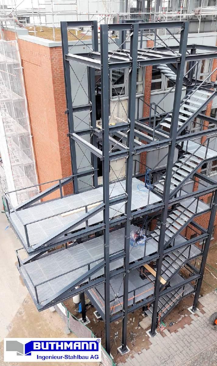 Bauvorhaben 2 große Fluchttreppentürme 14